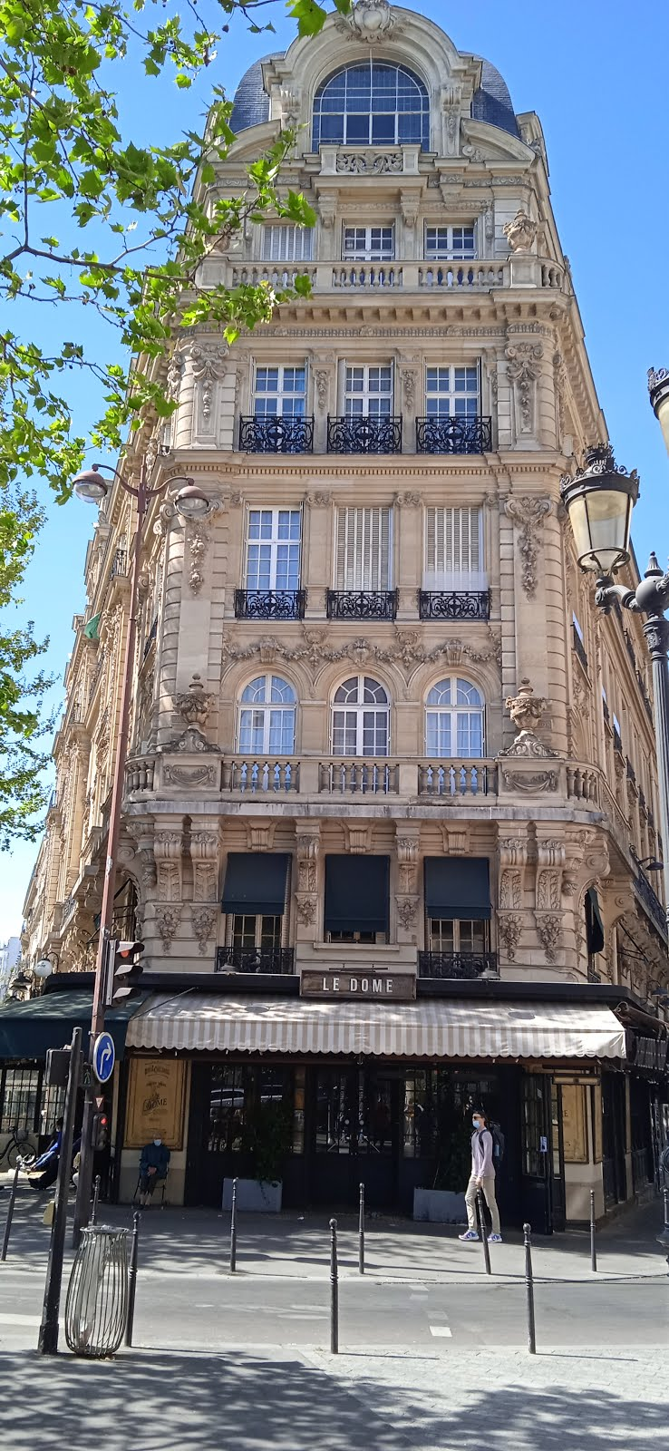 Maybe the most beautiful living building in Paris ��