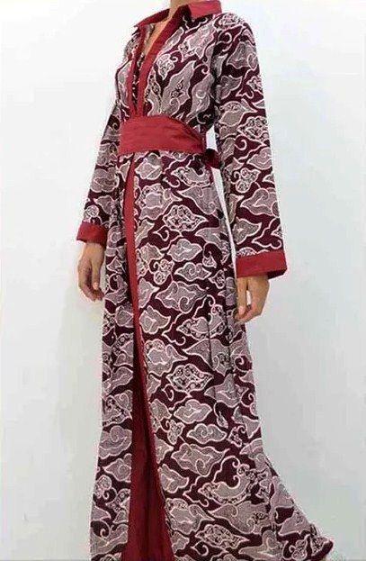 Model Gamis Batik Motif Mega Mendung Modern Untuk Wanita