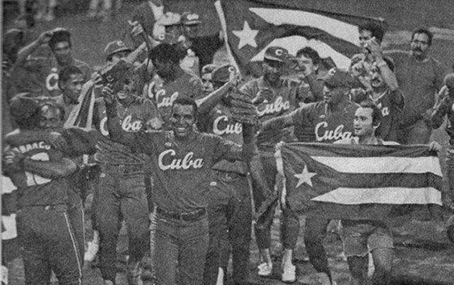 Cuba aseguró el triunfo con cuatro anotaciones en el cuarto episodio, por inatrapables de Antonio Pacheco y Omar linares, biangular de Orestes Kindelán y bambinazo de Víctor Mesa