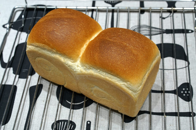 https://sisicooking.blogspot.com/2019/11/toast-bread-recipe.html