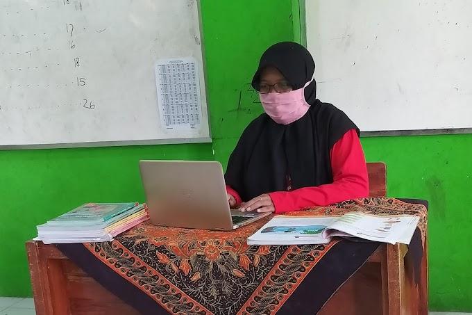Guru Masuk Sekolah Tetap Laksanakan Pembelajaran