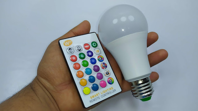 مصباح ليد ب 16 لونا و جهاز التحكم  Magic RGB LED Light Bulb  Smart Lighting Lamp Color Change Dimmable With IR Remote Controller  Smart Bulb
