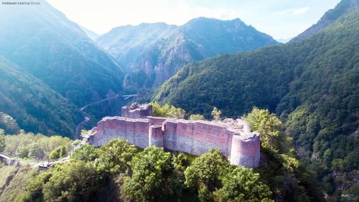 Poenari Castle (Wallachia, Romania).