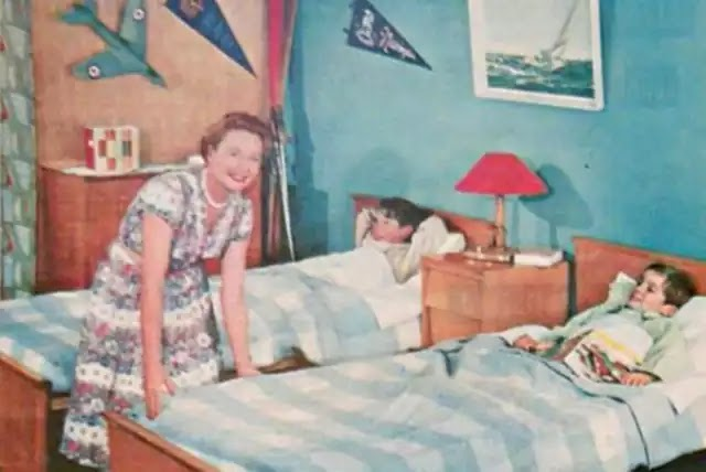 İngiliz bilimadamı E.A. Murphy, lateks süngeri icat etti. İlk lateks yatak 1931 yılında satışa sunuldu.