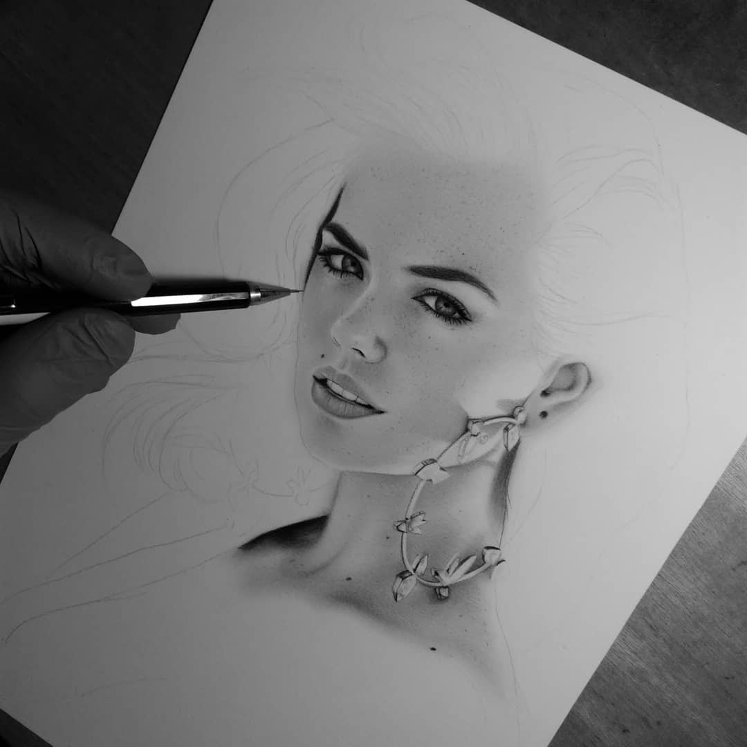 06-D-Ponjavić-WIP-Pencil-Portrait-Drawings-www-designstack-co