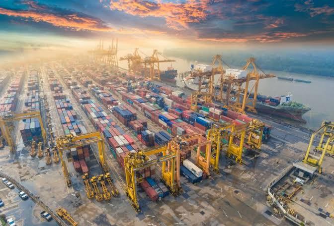Vietnam investiga las elevadas tarifas de los contenedores