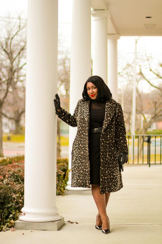 Plus Size Leopard Coat Outfit Idea