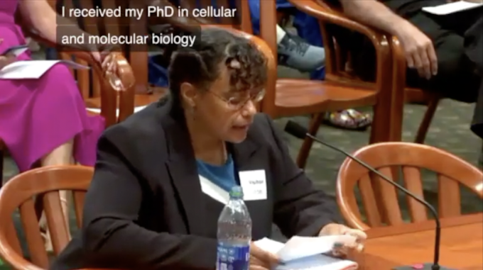 POWERFUL: Woman Gives Best Speech I Have Ever Seen EXPOSING the Vaxx!
