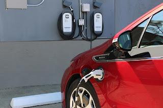 España, lejos del 'Top 10' de países de la UE con mayor cuota de vehículos electrificados