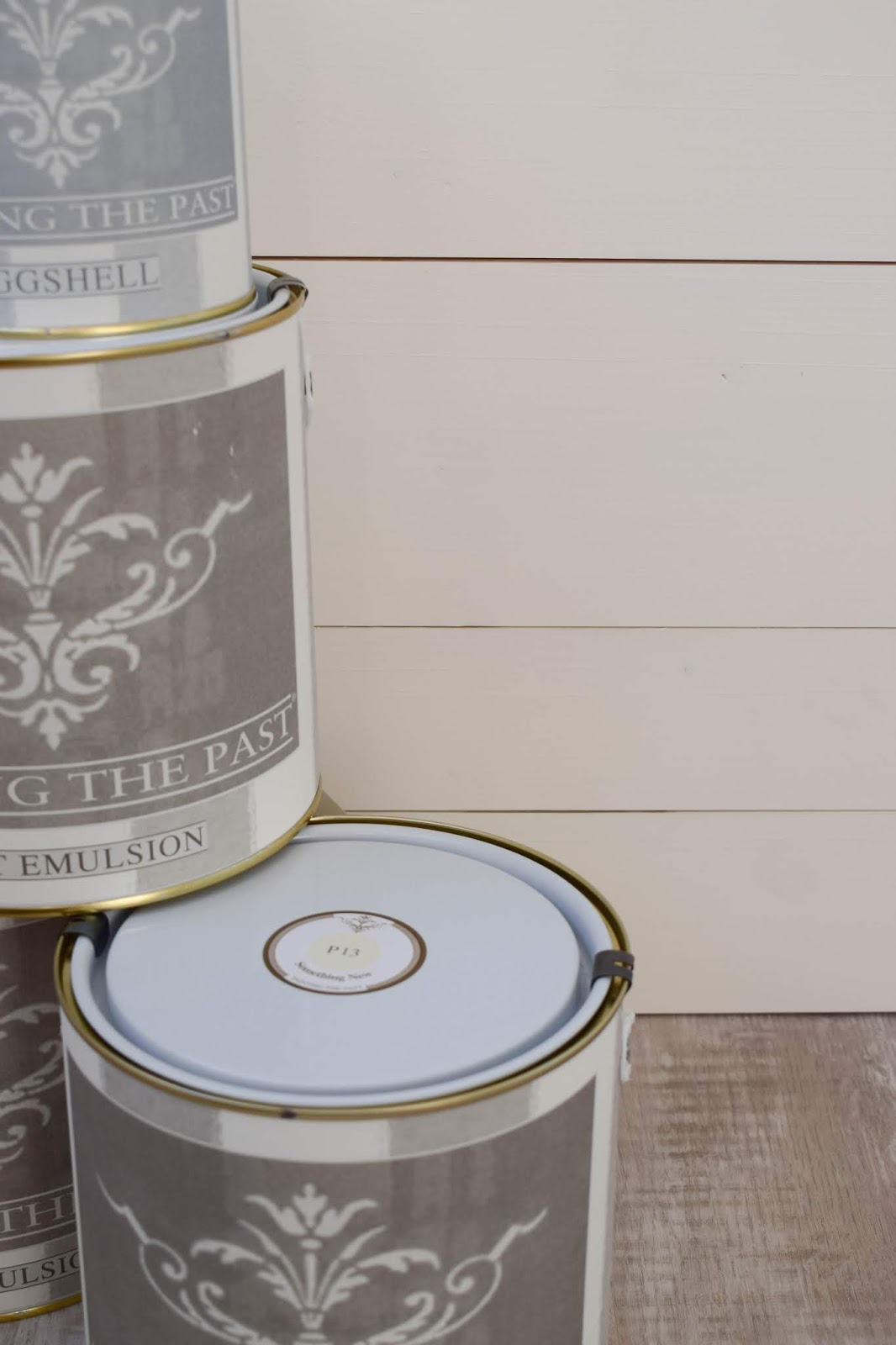 Mit Kreidefarbe streichen: Painting the Past für Möbel, Wände und Böden. Selbermachen und Ideen zur Verarbeitung. Traditionelle Wandfarbe