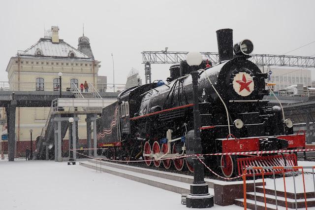 Памятник-паровоз - станция Владивосток
