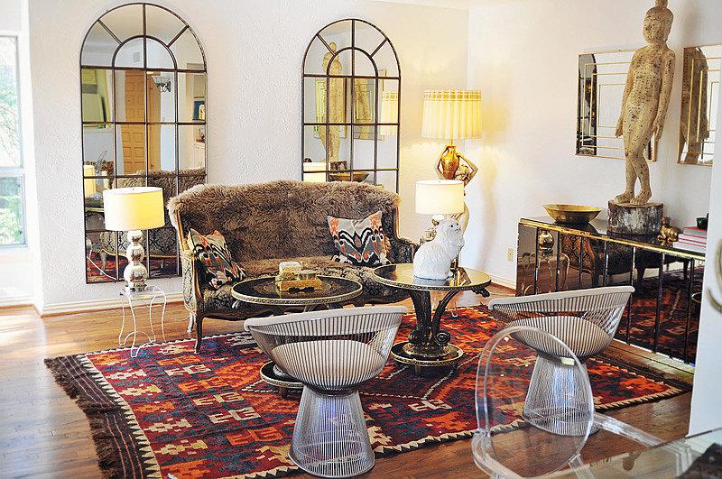 9 idee per ingrandire la casa con gli specchi home - Appendi specchio ...