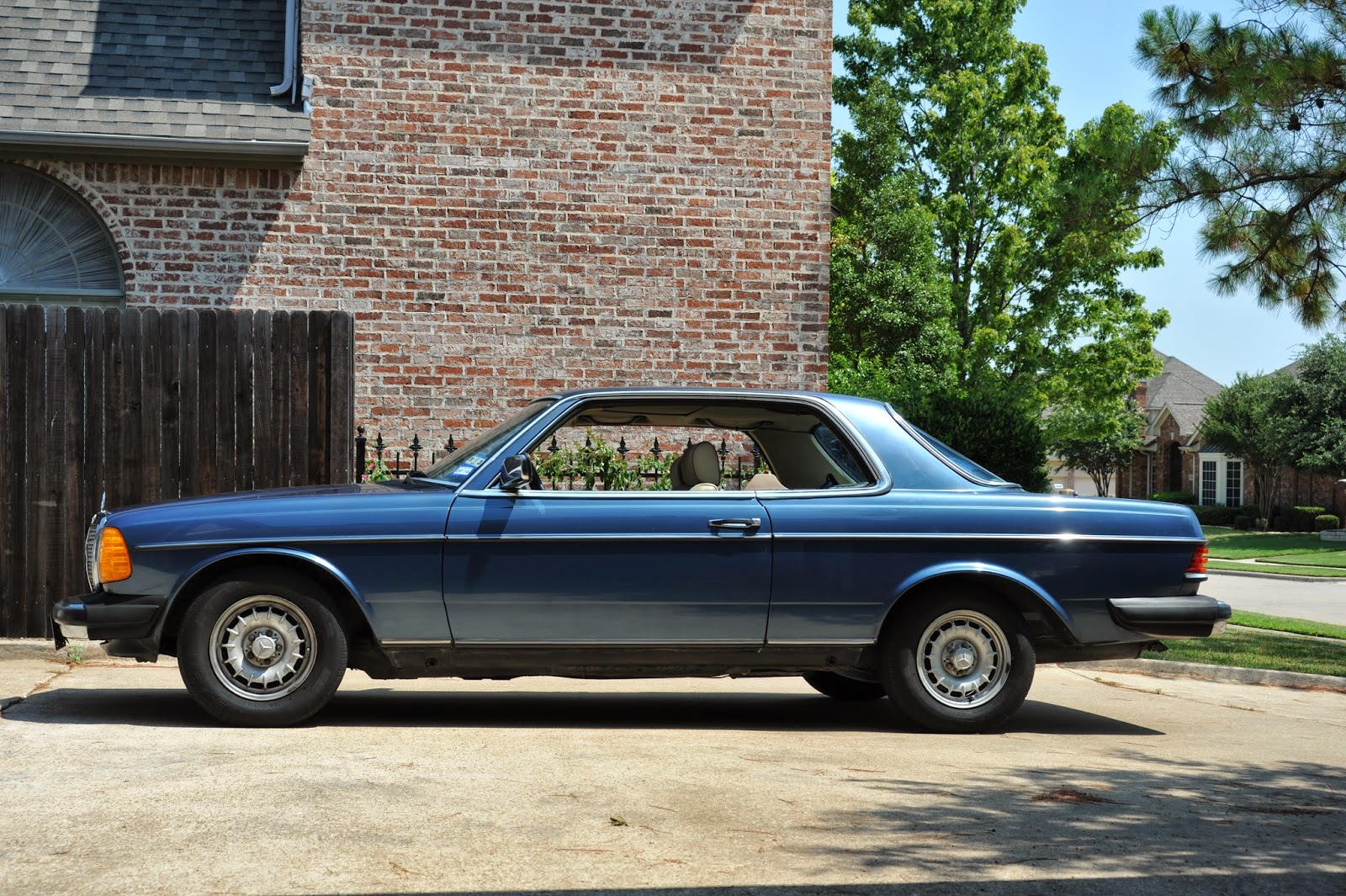 old man car blog 1985 mercedes benz w123 280ce coupe. Black Bedroom Furniture Sets. Home Design Ideas