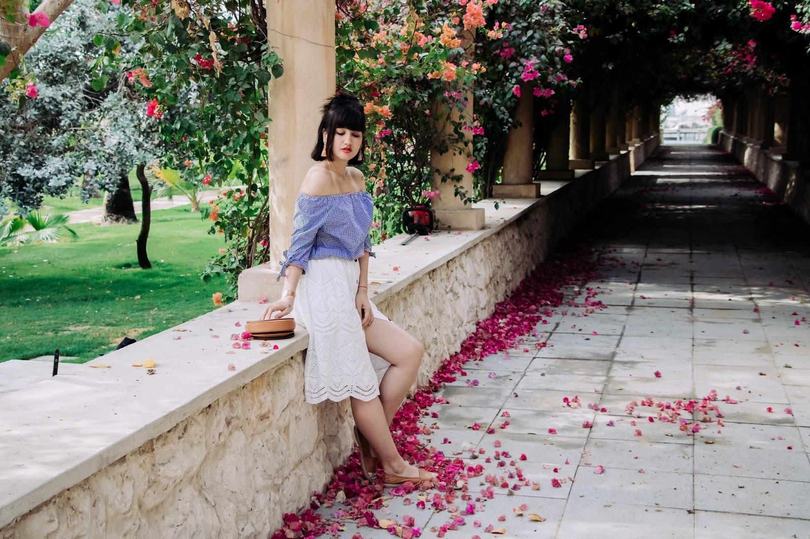 parisianfashionblogger - Flower Arch