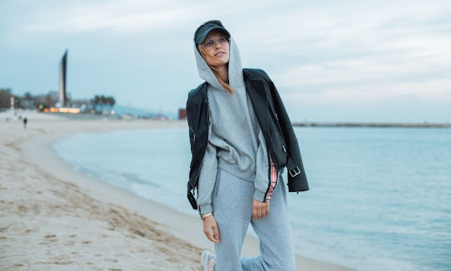 How To Turn Casual Clothes Into Stylish Outfits