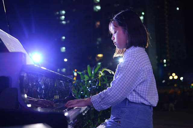 Bé Mai Linh - Học viên trường nhạc SMS biểu diễn độc tấu piano