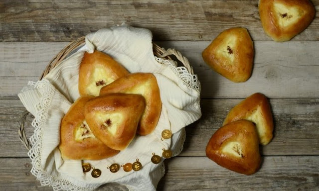 Recipe of the Day: Traditional Upload kaltsounia