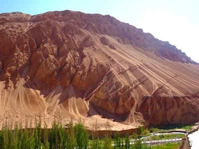 Κίνα, στο δρόμο του μεταξιού... Τα φλογισμένα βουνά / China, on the Silk Road