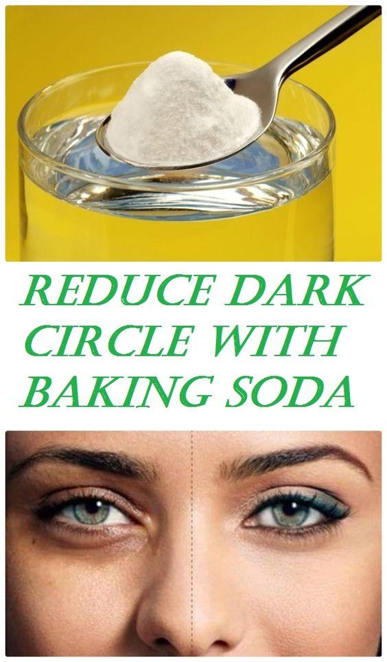 Reduce dark circle with baking soda