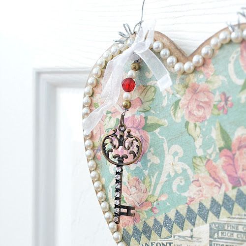 Vintage-Style Heart Hanger For Valentine's Day