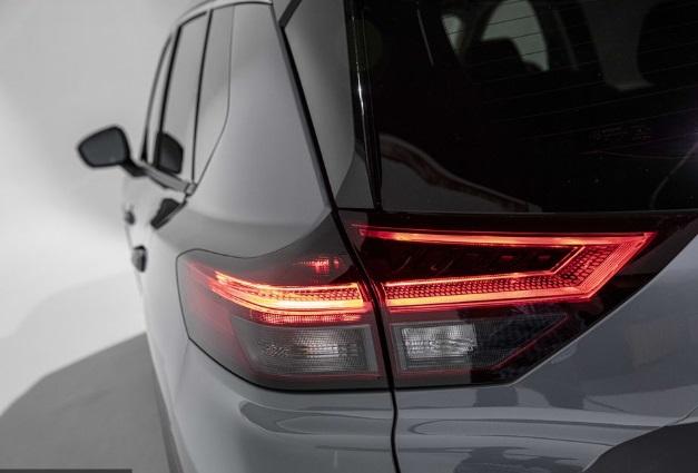 Lampu Belakang Nissan Rouge