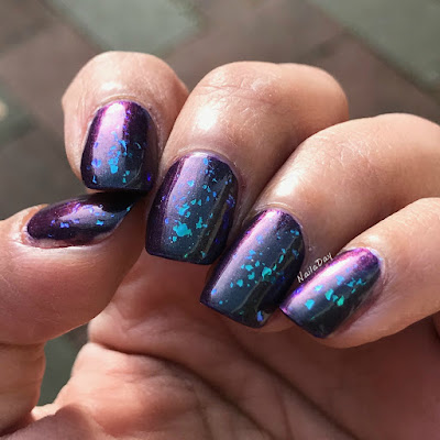 NailaDay: Illyrian Dream Hopper with Indigo Bananas Bonanza