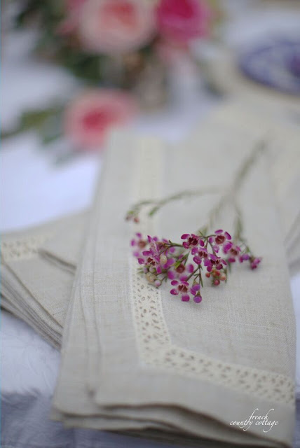 Vintage style napkins with flowers close up