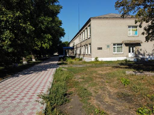 Новоподгородное. Школа