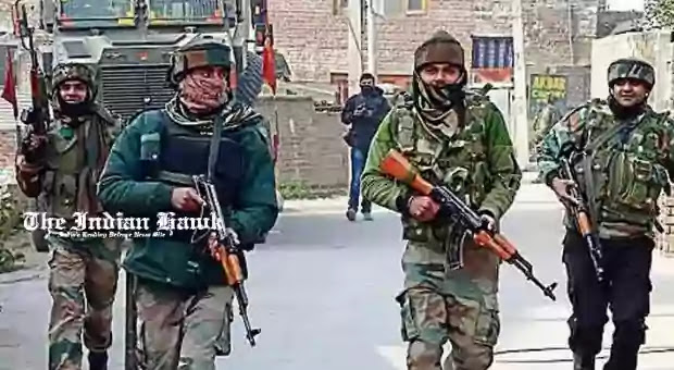 Army jawans returning from encounter site at Machama area of Budgam district in central Kashmir