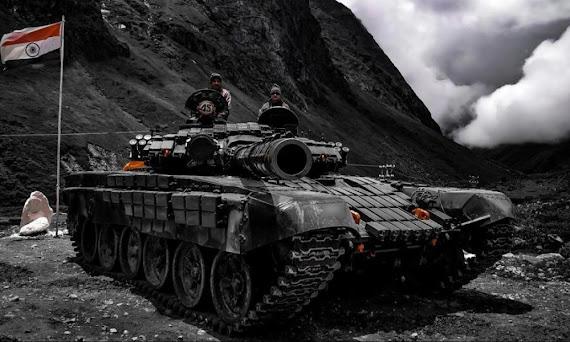 Ο άγνωστος πόλεμος Ινδίας-Κίνας: Σε απόσταση 400 μέτρων ινδικά Τ-72 από τανκς των Κινέζων