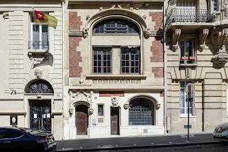 Paris : 6 rue Alfred Roll, insolite hôtel particulier au style troubadour, lieu des amours de la cantatrice Jeanne Hatto et de l'industriel Louis Renault - XVIIème