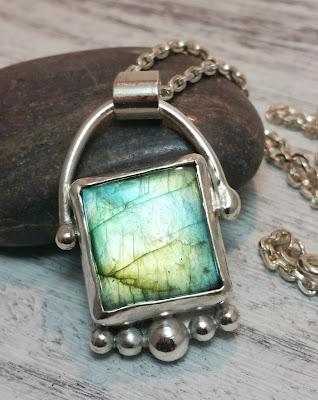 green flash labradorite gemstone necklace