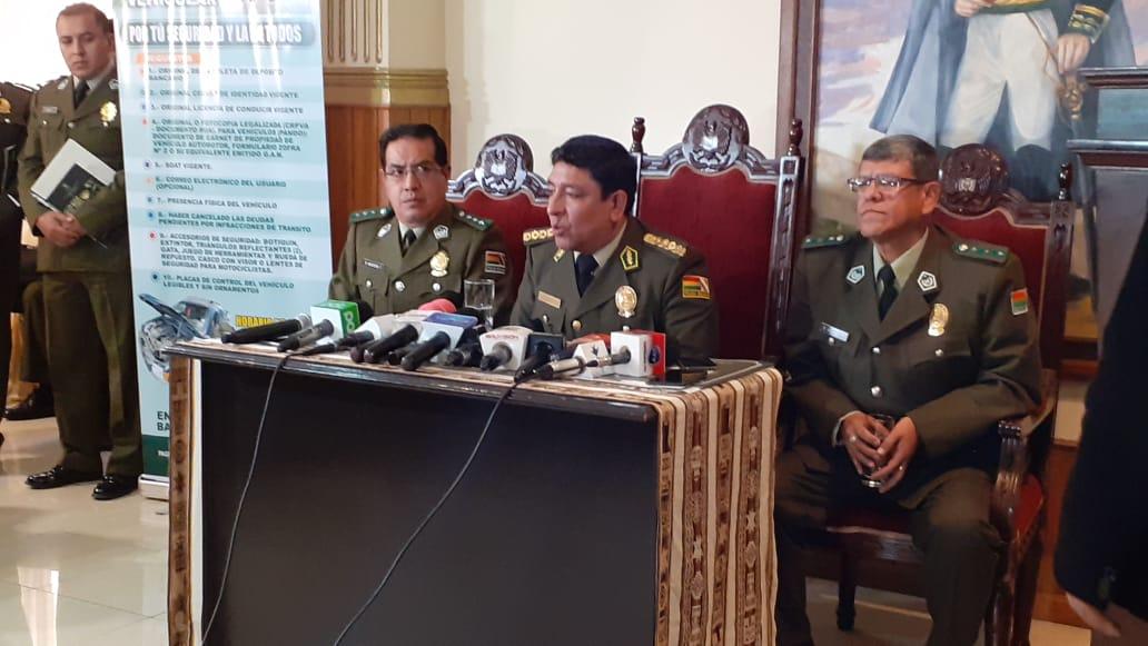 Comando policial en conferencia de prensa / ÁNGEL SALAZAR