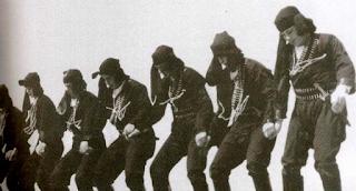 Πυρρίχιος. Ο πολεμικός χορός των αρχαίων Ελλήνων που χόρεψαν οι μυθικοί δαίμονες Κουρήτες