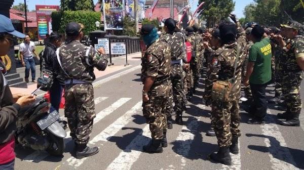 Tokoh NU Terjerat Kasus Hukum, Banser Geruduk Mapolres Blitar Kota