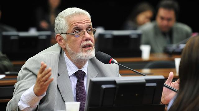 Deputado do PT diz que enquanto não soltarem Lula, eles irão obstruir todas as votações importantes pro país na Câmara