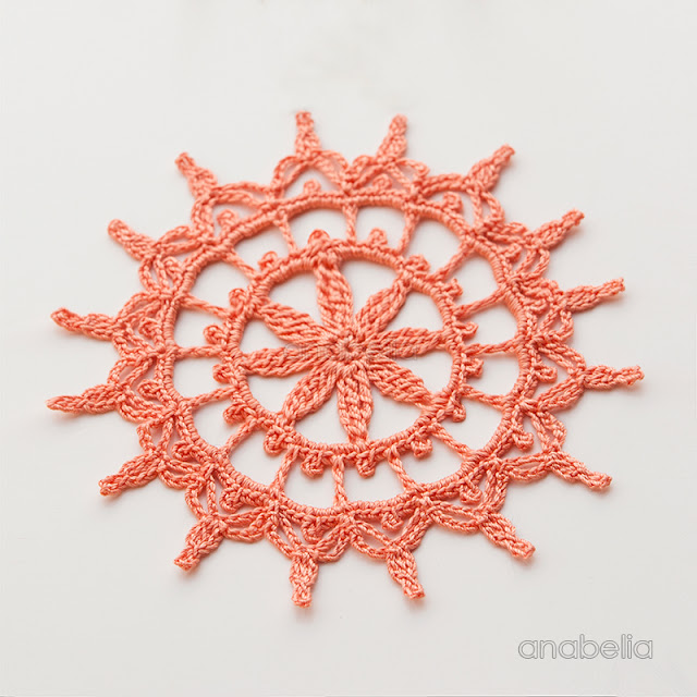 Shabby decoration for Christmas, 3 crochet doilies in 1 pattern by Anabelia Craft Design