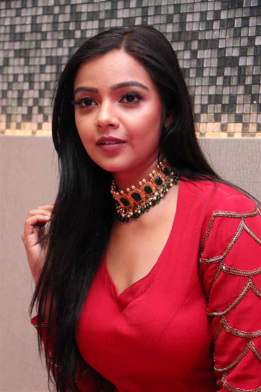 O Pitta Katha Movie Actress Nithya Shetty In Red Dress Photos