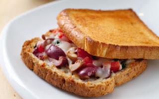 Kekikli Zeytinli Tost Tarifi Diyet Yemekleri Yemekleri Kahvaltılıklar aperatifler  Mutfak Sırları Pratik Yemek Tarifleri Sağlıklı Yemek Tarifi Açık Tost Tarifi, Nasıl Yapılır? Diyet Haberleri Ekşi Mayalı Sade Tost Ekmeği Zeytinli Kekikli Diyet Tost Yemek Tarifi Günlüğüm