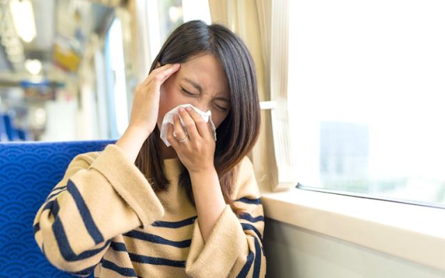 Cara Mengatasi Sakit Perut Saat Perjalanan Jauh