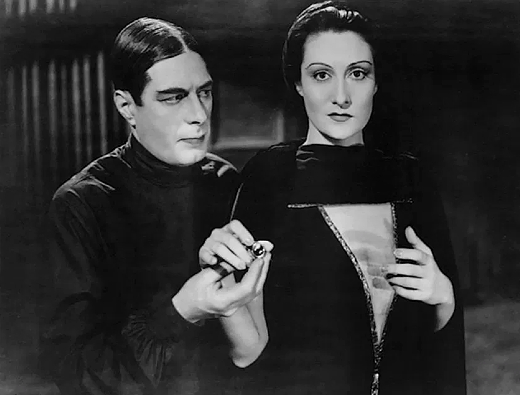Still, Irving Pichel and Gloria Holden, Dracula's Daughter (1931)