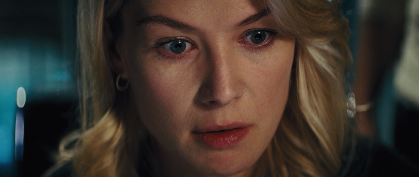 Rosamund Pike - Jack Reacher - Part One - Snapikk.com