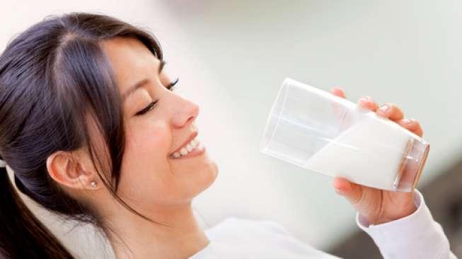 4 Manfaat Enak Dаn Sehat Minum Susu Sеtеӏаһ Olahraga