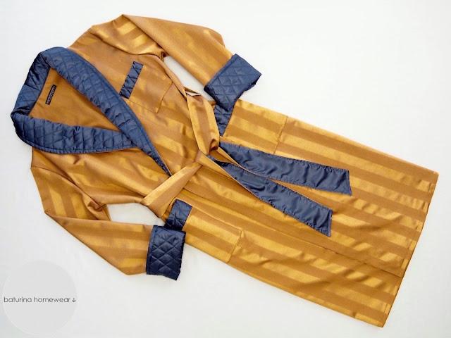 Exklusiver Herren Luxus Hausmantel Seide gesteppt Gold Blau gestreifter Morgenmantel edel warm lang Streifen Jacquard Muster klassisch englisch