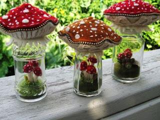 riciclo vasetti di vetro per realizzare dei funghi in feltro
