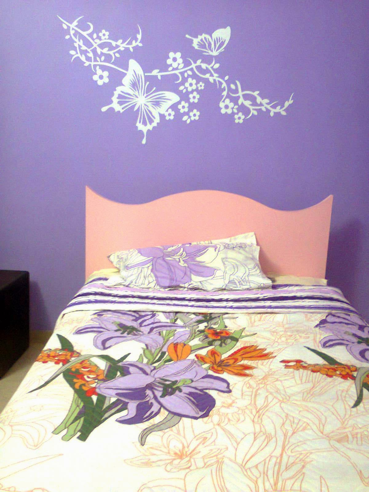 Bedroom wall decal from Kakshyaachitra