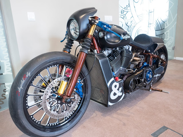 Bell&Ross showroom moto