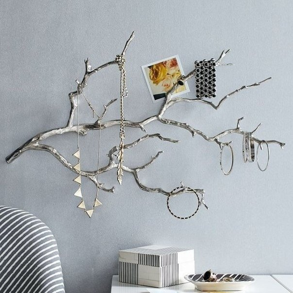 CREATIVE TREE BRANCHES DECOR IDEAS