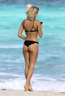 Selena-Weber-in-Black-Bikini-2016-8.jpg