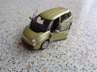 Fiat 500 L  oliwkowy